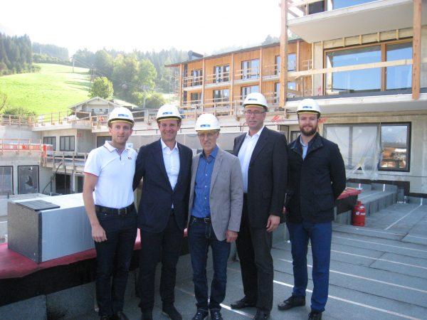Baustellenbesichtigung beim neuen Sportresort Hohe Salve: Eigentümer und Investor Manfred Pletzer, Stefan Astner, Toni Innauer, Peter Heine und Patrick Koller